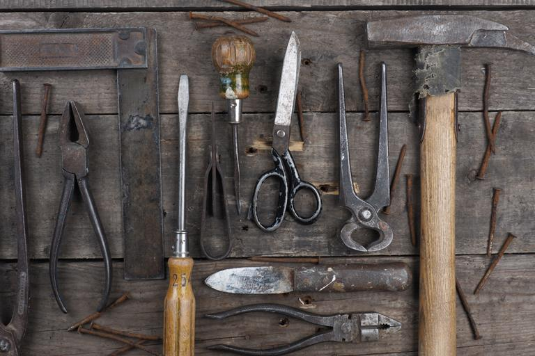 Tools versus practices - lessons from DIY